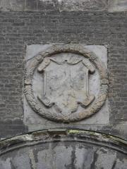 Hôtel de ville et beffroi - English:   Coat of arms outside the belfry of Aire-sur-la-Lys, Pas-de-Calais, France.