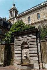 Ancienne cathédrale Notre-Dame - English: Boulogne-sur-Mer - Ville Haute - Rue de Lille - View West