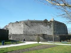 Château d'Aumont - Français:   Fortifications du château-musée à Boulogne sur Mer
