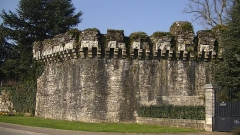 Château - English: Walls of Ancenis castle