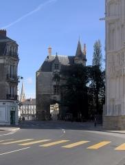 Porte gallo-romaine, dite du Bastion Saint-Pierre, dépendant de l'ancien évêché - English: Porte Saint-Pierre (Saint Peter's gate), part of the former city wall of Nantes.