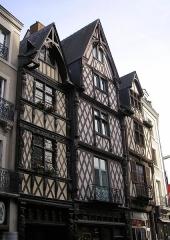 Maison -  Angers (Pays-de-Loire, France). Maisons anciennes de la rue de l'Oisellerie.
