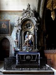 Eglise Notre-Dame des Cordeliers - Français:   Autel et retable de Notre-Dame de Pitié. Église Notre-Dame-des-Cordeliers de Laval (53). Donateur: Jacques Le Blanc de la Vignolle.