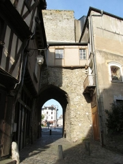 Anciens remparts - English: Porte Beucheresse, Laval, Mayenne, France.