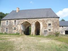 Ancienne abbaye cistercienne de Clermont - Deutsch: Kloster Clairmont (Mayenne), Torhaus