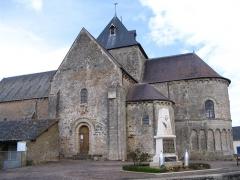 Eglise - English:   The church of Neuvy-en-Champagne, Sarthe, France.