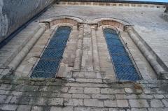 Eglise - Français:   Les fenêtres gothiques de l'église Notre-Dame-des-Anges.
