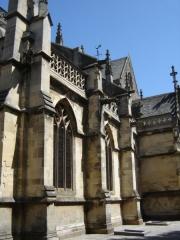 Basilique Sainte-Trinité - Français:   Vue sur une partie du côté sud de la Basilique Sainte-Trinité de Cherbourg.