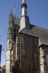 Eglise Saint-Martin - English: L'église Saint-Martin; L'Aigle, Basse-Normandie, Orne, France;; ref: PM_093593_F_LAigle;; Photographer: Paul M.R. Maeyaert; www.pmrmaeyaert.eu; © Paul M.R. Maeyaert; pmrmaeyaert@gmail.com; Cultural heritage; Europeana; Europe/France/L'Aigle;