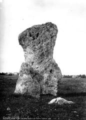 Menhir dit Pierre Cornue -