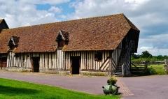 Manoir - Deutsch: ein Wirtschaftsgebäude am Herrenhaus Coupesarte, Coupesarte, Département Calvados, Region Normandie (ehemals Nieder-Normandie), Frankreich