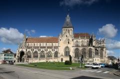 Eglise Saint-Gervais-Saint-Protais -  Façade sud de l\'église Saint-Gervais de Falaise (Calvados, France)