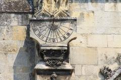 Eglise Saint-Gervais-Saint-Protais - Français:   Cadran solaire sur l\'église Saint-Gervais de Falaise (Calvados)