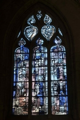 Eglise Saint-Michel - Deutsch: Bleiglasfenster in der Kirche Saint-Michel in Pont-l'Évêque im Département Calvados (Frankreich)
