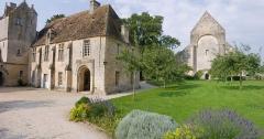 Restes du prieuré de Saint-Gabriel, puis Centre d'apprentissage horticole -  Panorama de l'ancien prieuré de Saint-Gabriel Brecy (Calvados, France), transformé en école d'horticulture