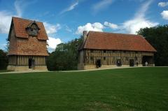 Ancien manoir de Beuvillers - English: Castle of Crèvecœur-en-Auge