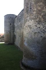 Château de Châteauneuf, actuellement musée -  Medival walls of the castle of Chateauneuf..