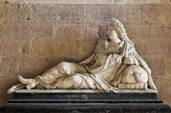 Cathédrale Saint-Bénigne -  La cathédrale Sainte-Bénigne à Dijon en Côte d'Or. Monument funéraire de Jean de Berbisey.