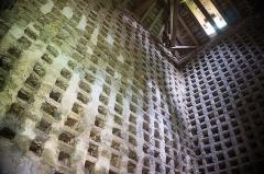 Château - English: Interior of pigeon loft of Château de Posanges, France. Monument historique.