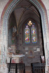 Eglise Saint-Pierre -  St. Joseph Chapel, decorated in a neo-Gothic style in the nineteenth century.
