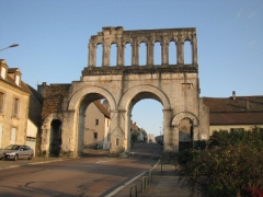 Porte d'Arroux - Deutsch: Röm. Stadttor in Autun