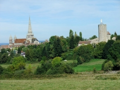 Remparts romains - English: Cathedral and Tour des Ursulines in Autun, Burgundy, France