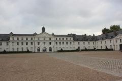 Château de la Verrerie - Polski: Le Creusot - pałac Verrerie