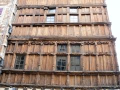 Immeuble dit La maison de Bois - Français:   Mâcon - Maison de Bois - Façade sur la rue