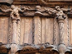 Immeuble dit La maison de Bois - Français:   Façade de la maison des Bois la plus ancienne de Mâcon construite en 1490 (Saône-et-Loire, Bourgogne-Franche-Comté, France).
