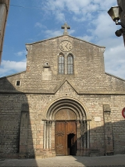 Eglise de la Madeleine - English: Facade of the church Sainte-Madeleine in Tournus, Saône-et-Loire, France