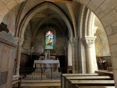 Eglise Saint-Pierre - Français:   Chapelle nord, vue vers l\'est.