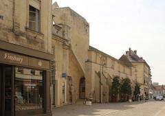 Ancienne abbaye de Saint-Corneille, abritant la Bibliothèque municipale Saint-Corneille - English: Compiègne, the abbey Saint-Corneille