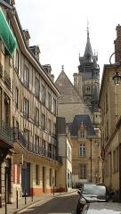 Hôtel de ville - English:   Compiègne, the Rue Eugène Floquet, view to the town hall