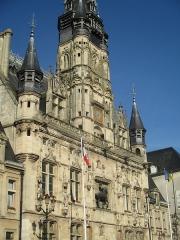 Hôtel de ville - Façade de l'hôtel de ville de Compiègne.
