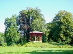 Domaine de Jean-Jacques-Rousseau - Français:   Le kiosque de la Belle Gabrielle au Petit parc, au nord du château.