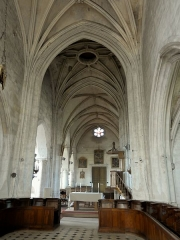 Eglise Notre-Dame de la Nativité - Français:   Chœur; vue sur la nef.