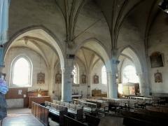 Eglise Notre-Dame de la Nativité - Français:   Nef; vue depuis l\'angle nord-est.