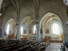 Eglise Notre-Dame de la Nativité - Français:   Nef, vue depuis l\'angle nord-ouest.