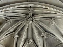 Eglise Notre-Dame de la Nativité - Français:   Voûte de l\'abside.