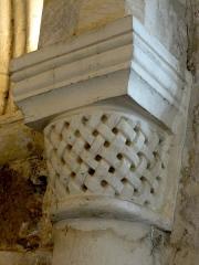 Eglise - Français:   Chœur sud, arc triomphal, chapiteau côté sud.