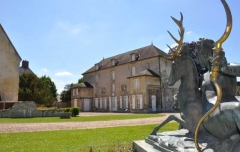 Ancien château royal, prieuré Saint-Maurice et mur gallo-romain - Français:   Vue exterieure du musée de la Vénerie de Senlis