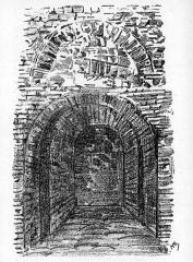 Enceinte gallo-romaine - Français:   La poterne Aiguillère de la muraille gallo-romaine bouchée, situation des années 1870.