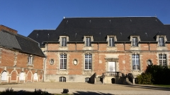 Ancienne abbaye de Saint-Martin - English: old abbey building of Saint Martin, Laon, Aisne, France