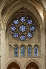 Ancienne cathédrale, actuellement église Notre-Dame, et cloître - Deutsch: Fensterrose im nördlichen Querschiff der Kathedrale Notre-Dame von Laon, Picardie, Frankreich