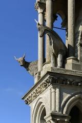 Ancienne cathédrale, actuellement église Notre-Dame, et cloître - Deutsch: Zwei der Ochsen am Nordwestturm der Kathedrale Notre-Dame von Laon, Picardie, Frankreich