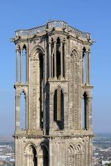 Ancienne cathédrale, actuellement église Notre-Dame, et cloître - Deutsch: Nordostturm der Kathedrale Notre-Dame von Laon, Picardie, Frankreich (Ansicht vom Südwestturm)