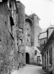 Porte de Chenizelles -