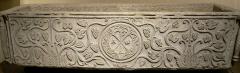 Ancienne abbaye Notre-Dame -  Sarcophage de Drausin  Cuve de sarcophage  VI° siècle  Marbre  Provenance: Soissons  L.: 2,12 m, l.: 0,76 m, H.: 0,53 m  Décoré d'un chrisme et de pampres de vigne. Il aurait, selon la tradition, contenu le corps de Drausin ,évêque de Soissons, mort v. 680  Ma 2955  Musée du Louvre, Denon, Rez-de-Chaussée, salle 28.   Photographe: Clio20