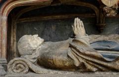 Cathédrale Notre-Dame - Gisant d'Adrien de Hénencourt