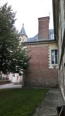 Ancien évéché - Français:   Palais de l\'évêché d\'Amiens 23